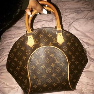 Louis Vuitton Ellipse monogram
